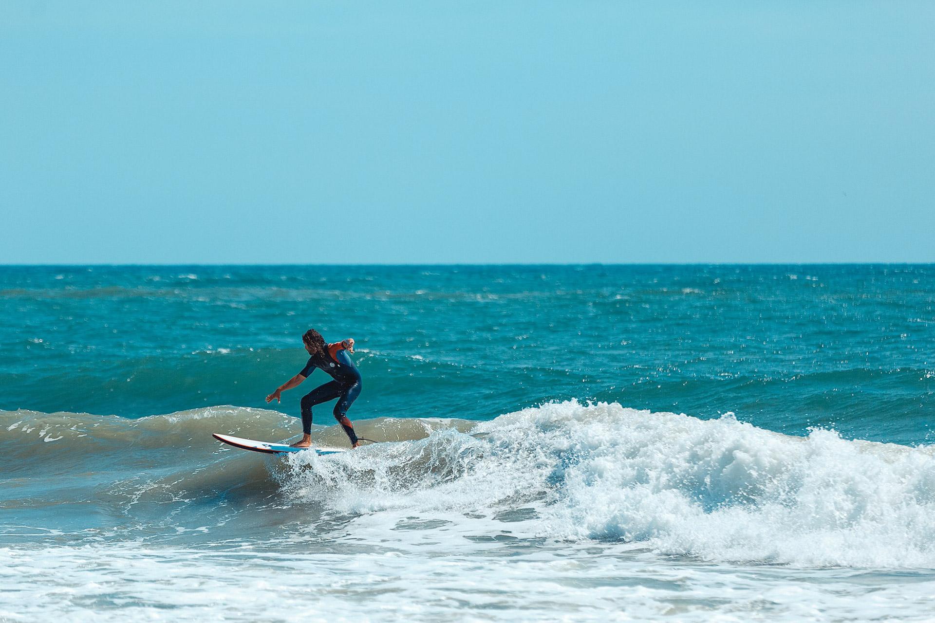 Surfs it like its hot